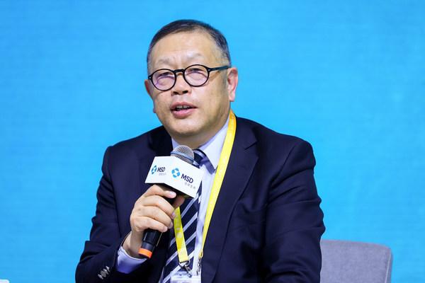 北京大学国际医院副院长、肿瘤中心主任梁军教授