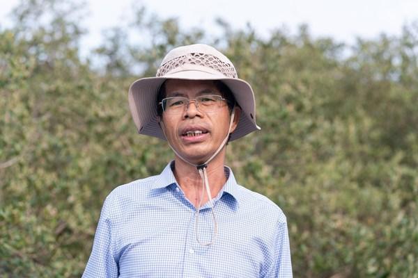 中国林业科学研究院热带林业研究所研究员、红树林保护和修复资深专家廖宝文