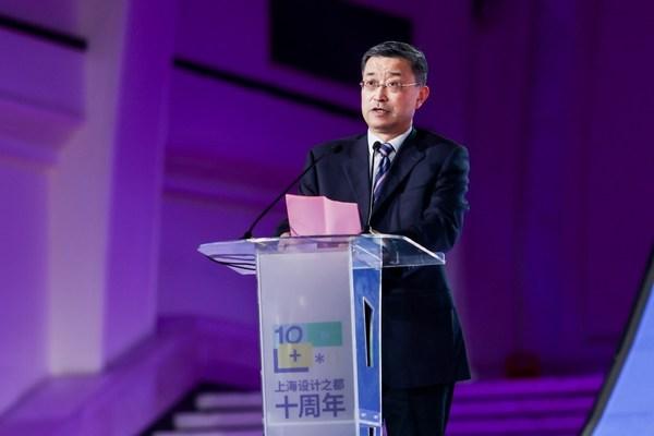 市经济信息化工作党委书记陆晓春