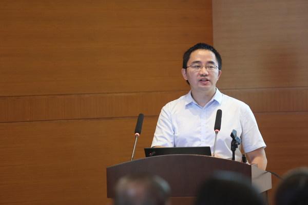 上海交通大学附属精神卫生中心副主任医师严峰做科普讲座