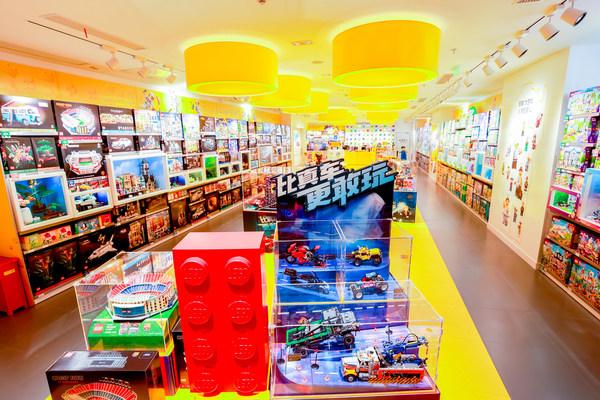 上海最大乐高®授权专卖店——环贸Iapm店