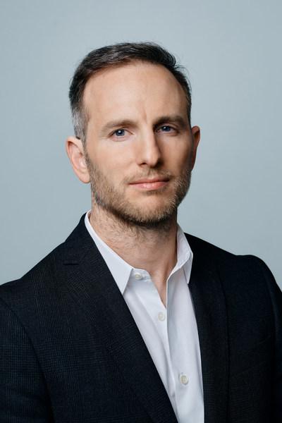 爱彼迎联合创始人兼Airbnb.org董事会主席Joe Gebbia
