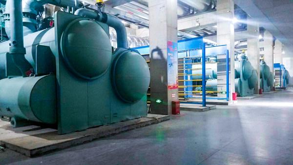 约克CYK双级离心式热泵机组帮助北京城市副中心高效利用地热资源,实现清洁供暖,显著降低能耗