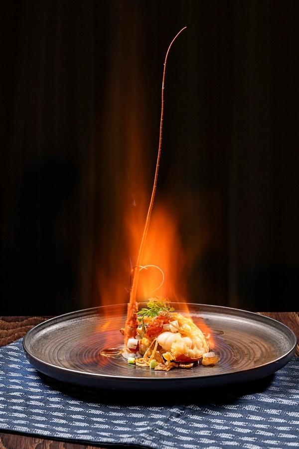 2021广州米其林指南发布,丽轩四度荣获一星餐厅,招牌菜葱香煎焗小青龙