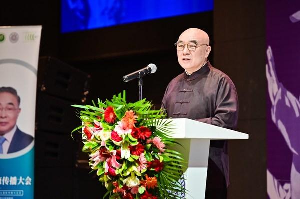 清华大学国际传播中心主任李希光为启动仪式致辞