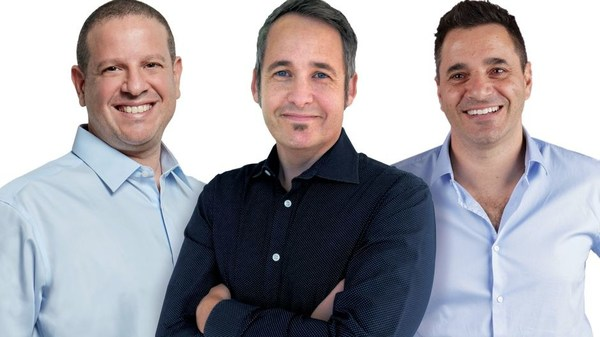 从左至右:Trax执行董事长兼联合创始人:Joel Bar-El、Trax CEO Justin Behar、Trax 联合创始人 Dror Feldheim