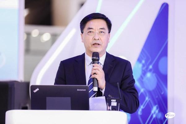 健康报社社长、党委书记邓海华致辞