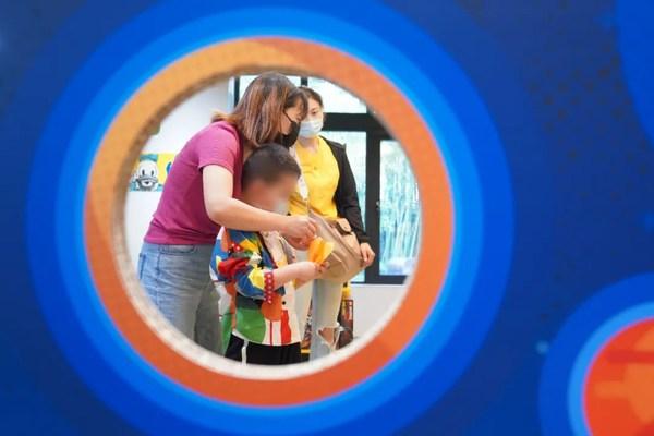 乐高旗舰店内精心布置和安排玩乐活动