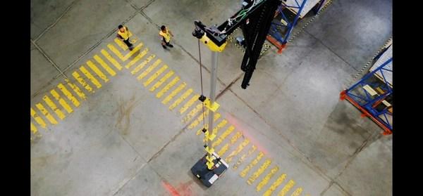 可对高达15米货架物料进行作业的盘点机器人
