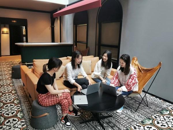 瑞思&BEEPLUS玖悦雅轩空间首个入驻企业 -- 天真蓝团队