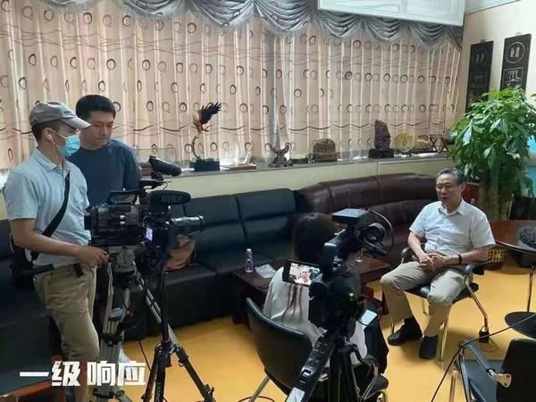 《一级响应》摄制组采访钟南山院士