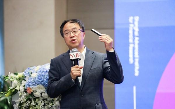 前中国太平洋保险(集团)股份有限公司首席科技官戎国强