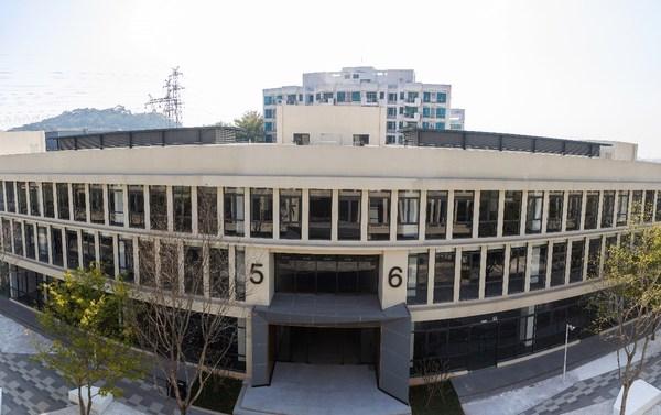 华新寰图科创岛办公楼实景图