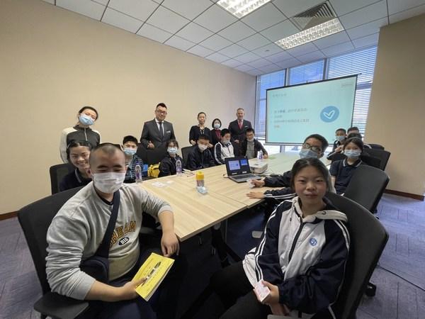 上海虹桥祥源希尔顿为聋青技校提供职业体验活动
