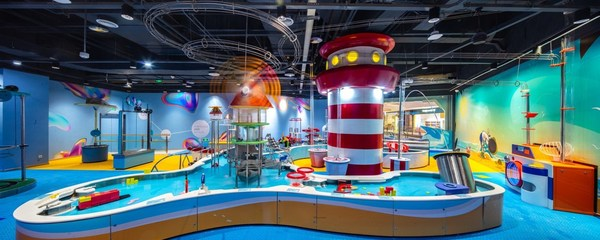 Kidzplorer 智乐空间是基于 STEAM 教育理念打造的儿童科学探索综合馆,实用面积近三千平方米,设有九大主题探索游乐区域。