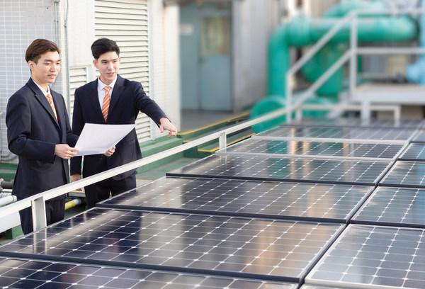 信和集团支持可再生能源,于旗下管理的物业安装太阳能光伏系统。