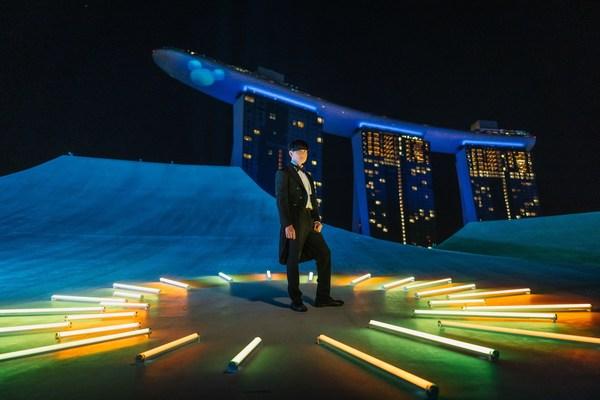 林俊杰于滨海湾金沙艺术科学博物馆顶层呈现精彩表演