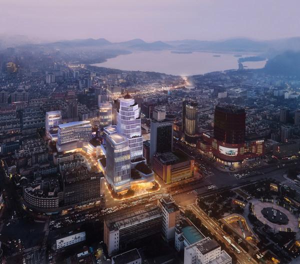 杭州文华东方酒店预计于2025年隆重开幕,加入以奢华为定位的杭州恒隆广场,缔造奢华的高端生活圈。(注:此为效果图片仅作参考用途)