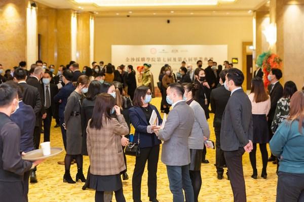 毕业供应商于仪式结束后参与邀商配对,与金沙中国采购人员进行面对面洽谈。