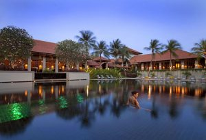 sofitel-santosa-swimming-pool-2015